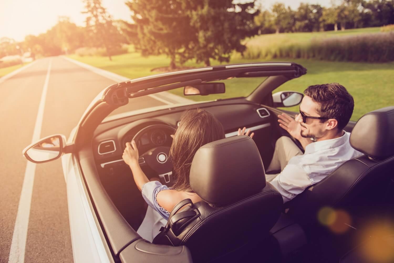 Małżeństwo w samochodzie