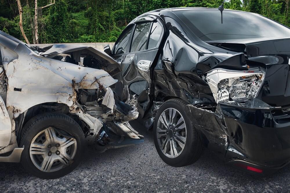 kolizja a wypadek drogowy